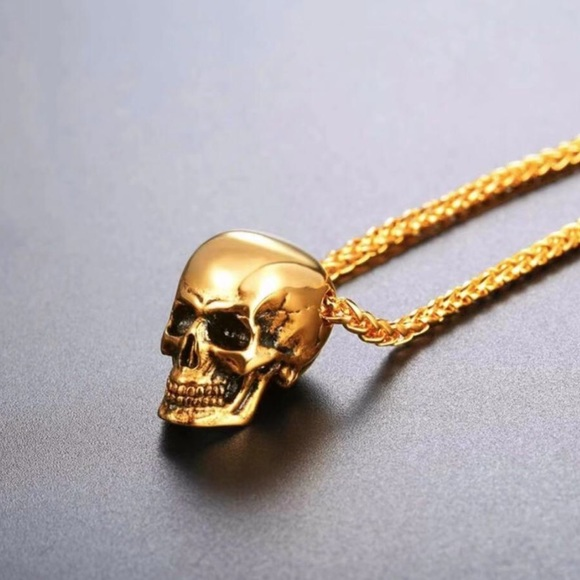Other - New 18K gold skull necklace